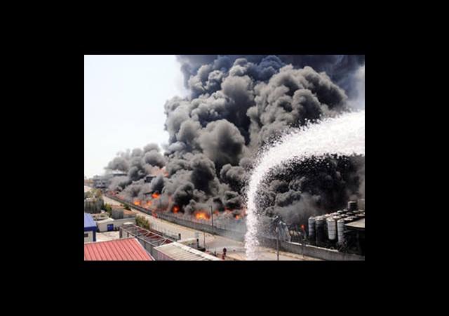 Tuzla'daki Yangın Kontrol Altına Alındı