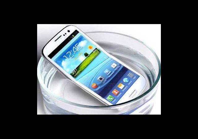 Samsung Galaxy S4 'ün Su Geçirmez Modeli Geliyor!
