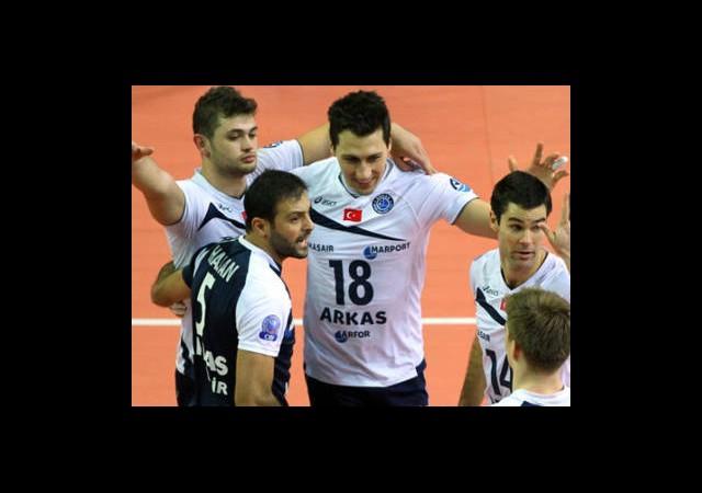 Servisler Dörtlü Final İçin