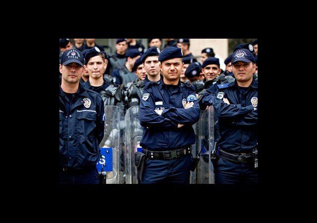 Polise Müjdeli Haber!