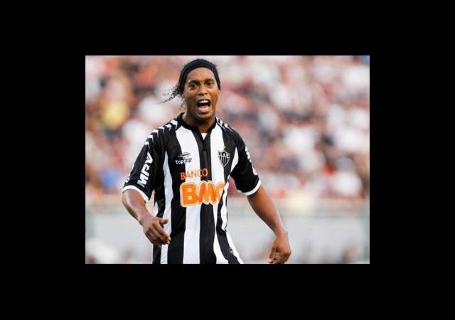 Ronaldinho'dan ManU'ya Sitem