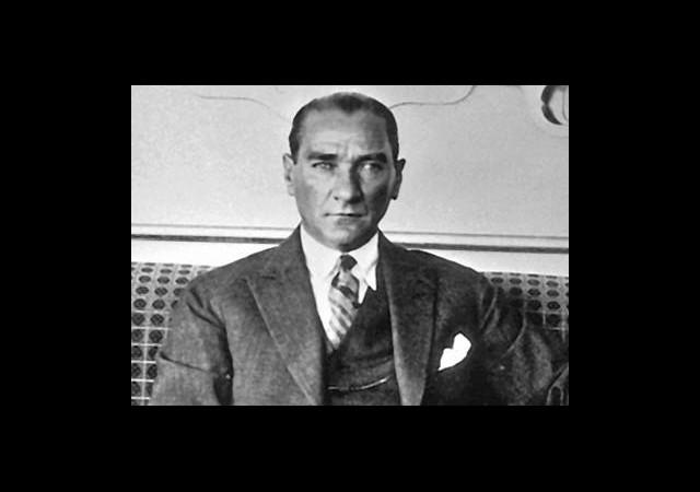 Atatürk Hakkında Ortaya Atılan İlginç İddia!