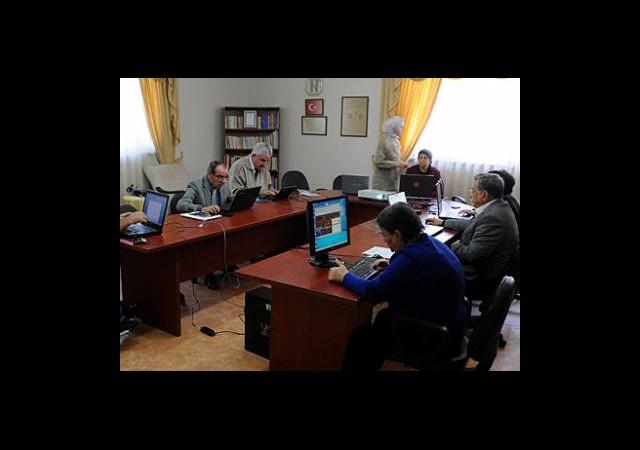 Huzurevi Sakinleri ''Bilgisayar Kurdu'' Oldu