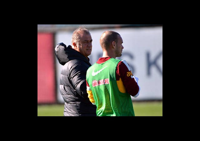 Sneijder'e Tam Not