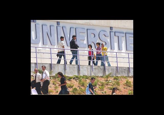Üniversiteliler Oy Hakkı da İstiyor