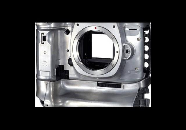Canon Kameraları Artık Robotlar Üretecek