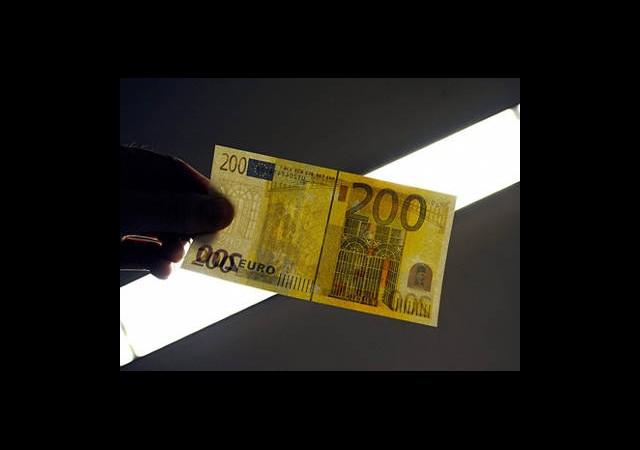 Almanya'dan Muhbirlere 20 Milyon Avro