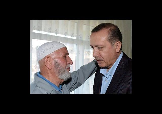 Başbakan Erdoğan'dan Şehit Babasına Ziyaret