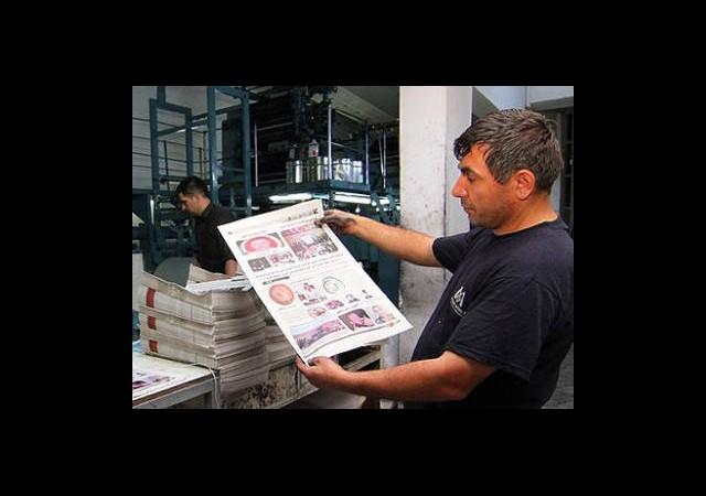 Muhalifler Seslerini Gazeteyle Duyuruyor