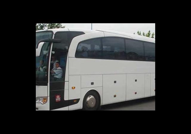 Otobüs 6 Kez Arızalanınca Yolcular Soluğu...