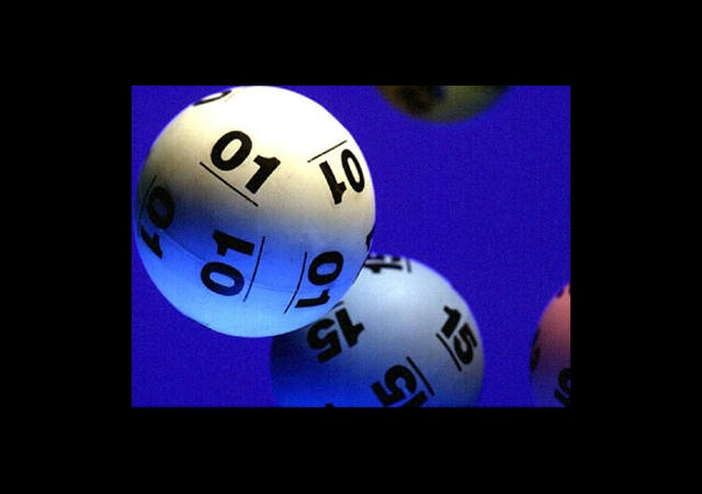 ABD'deki Süper Loto'da Kazanan Talihlilerden Biri Ortaya Çıktı