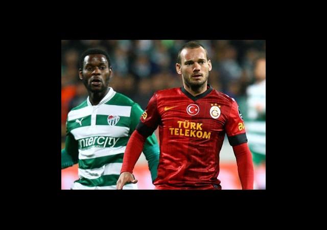 Sneijder ve Drogba İlk 11'e