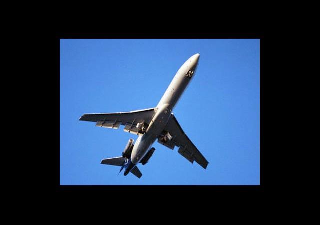İran'dan ABD'ye:  'Uçağınızı Tamir Ediyoruz'