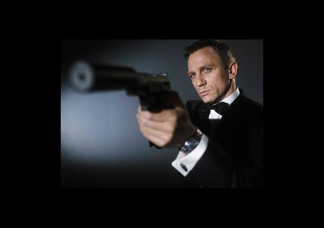 James Bond Setine Polis Neden Geldi ?