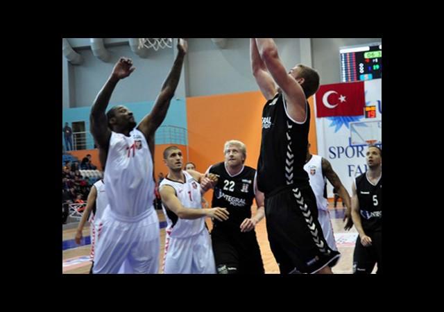 Beşiktaş Galibiyetle Tanıştı