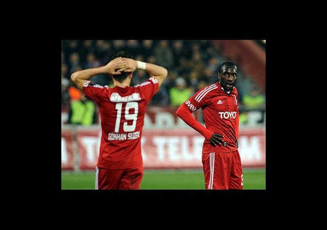 Ara Transferler Beşiktaş'a Yaramadı