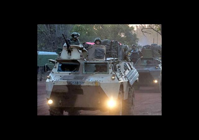 Fransa Mali'de Asker Sayısını Arttırıyor