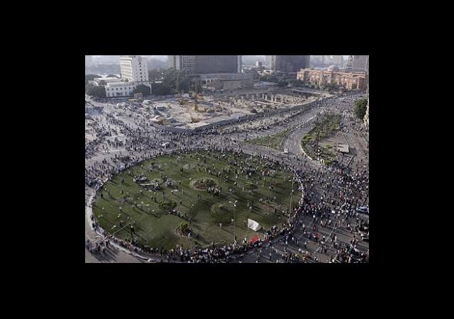Tahrir'e Beton Barikat