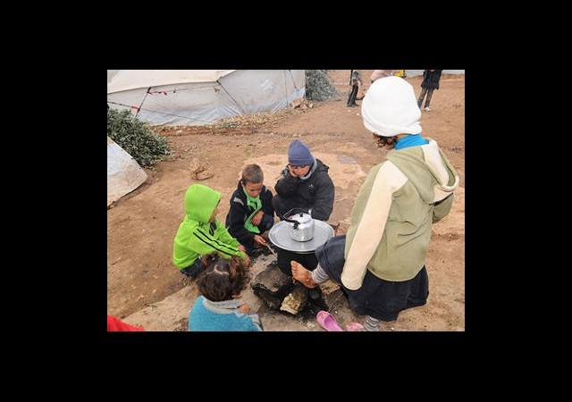 Suriye Sınırında Yoklukla Mücadele