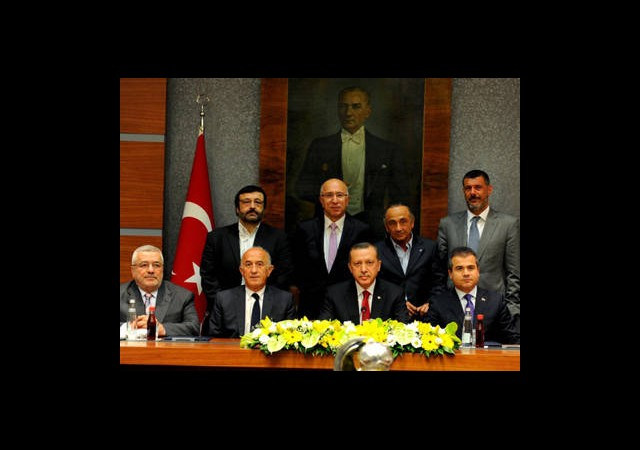 Başbakan Erdoğan Kasımpaşa Spor Kulübü'nün Yönetici ve Futbolcularını Kabul Etti