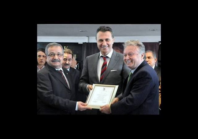 Beşiktaş'ta Mazbata Töreni