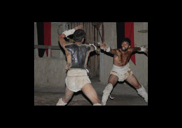Antalyalı Gladyatörler Arenaya Çıktı