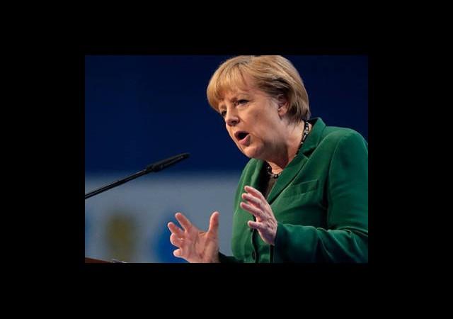 Merkel Avrupa'yı Sarsan Borç Krizini Değerlendirdi