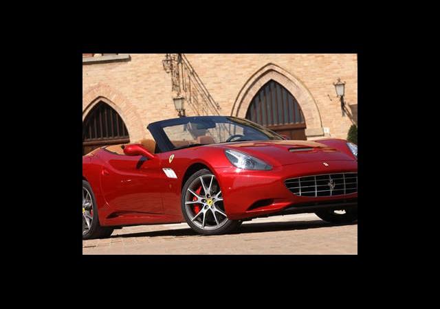 2013 Ferrari California Şimdi Daha da Hızlı