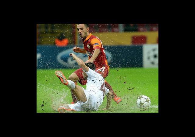 Galatasaray Zemin Sorununu Çözüyor