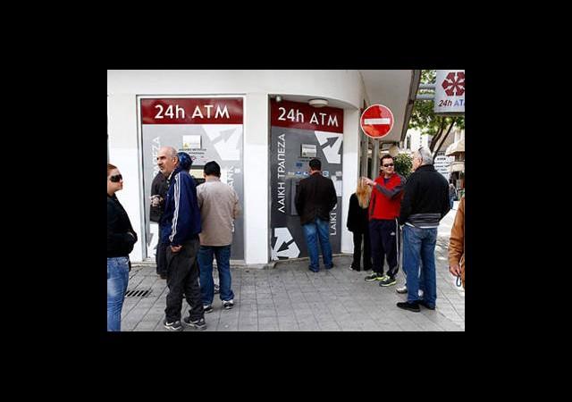 Güney Kıbrıs'ın Parası Kalmadı