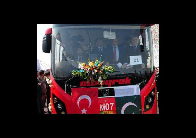 Pakistan'ın Metrobüsü İstanbul'dan