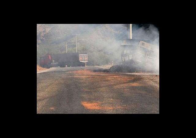 Teröristler Bombayı Yerleştirdi Askerler Patlattı