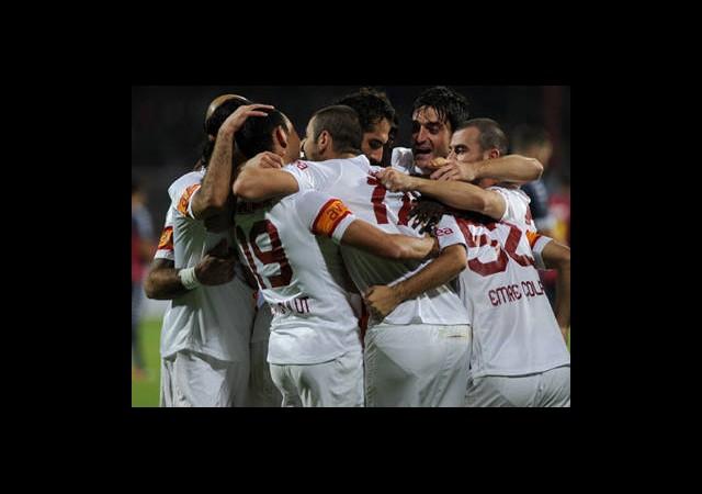 Galatasaray-Manchester United Canlı Anlatım