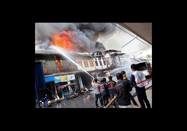 Terör Tayland'ı Vurdu