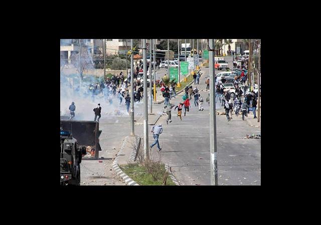 Filistinli 800 Tutuklu Açlık Grevinde