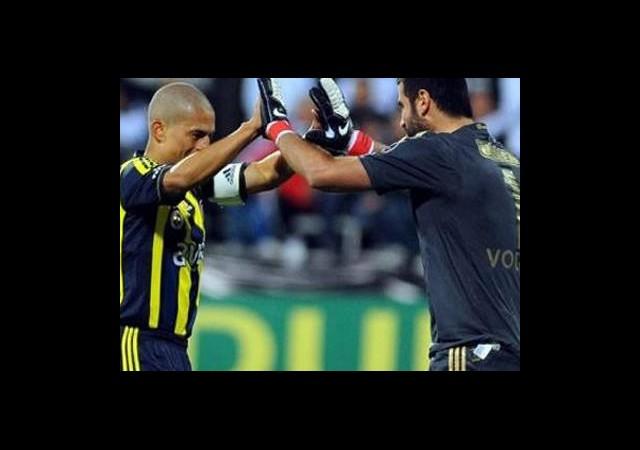 Alex Ve Volkan Fenerbahçe Ülker Beşiktaş Milangaz Maçını İzledi
