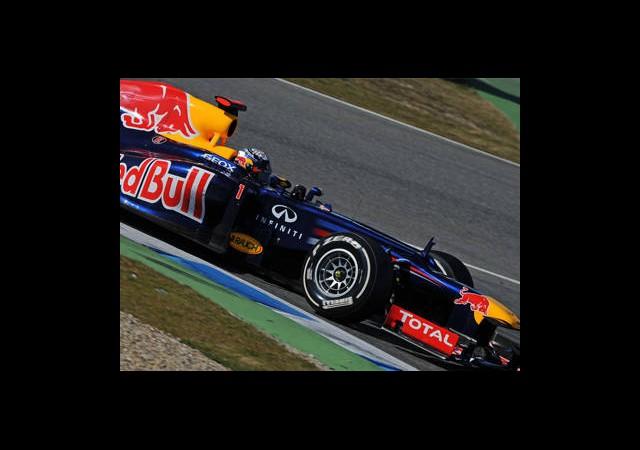 Vettel Yine İlk Cepte