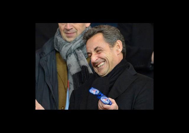 Sarkozy Siyasete Dönebilir