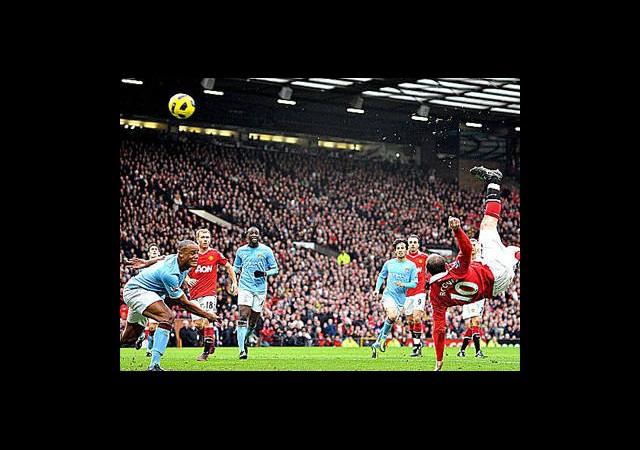 İngilizler'den Zlatan Golüne Rakip