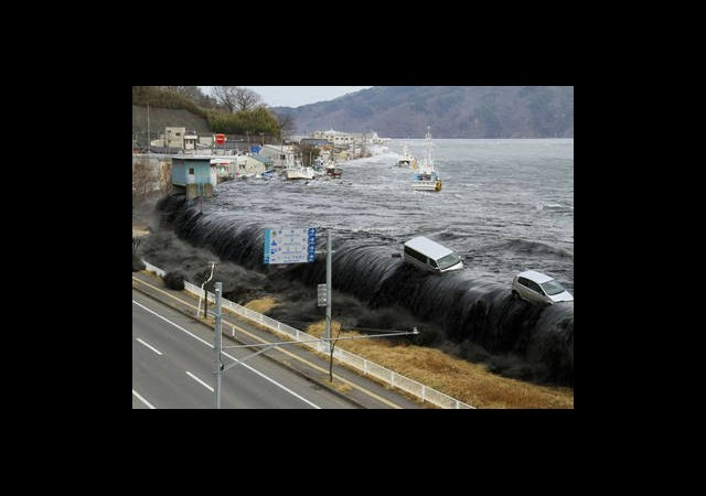 Tsunami İçin Kanada'ya Yardım