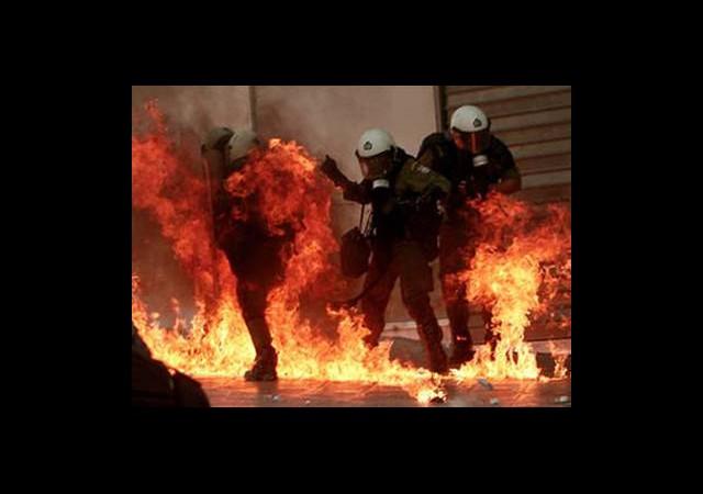 Krizin Ateşi Komşuyu Yaktı