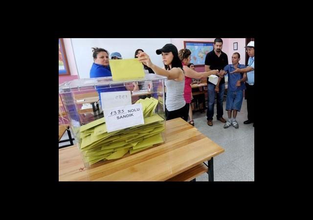 Erken Seçimde 'Referandum' Sürprizi