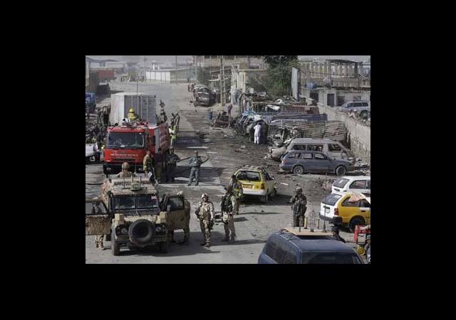 Taliban Kabil'i Vurdu