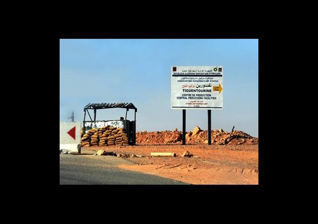 3 Türk Vatandaşı Cezayir'den Döndü