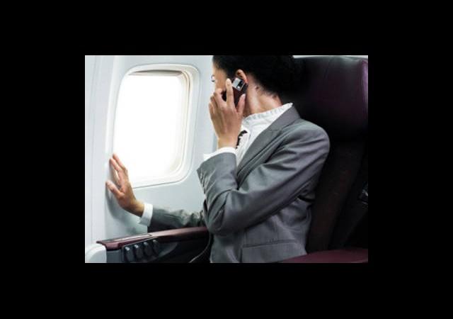 Uçakta Cep Telefonu Artık Serbest Gibi...