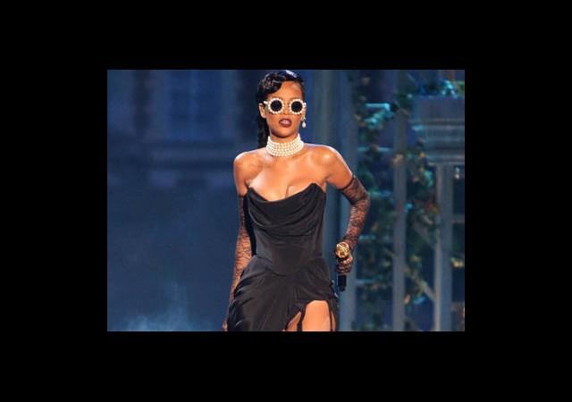 Rihanna'nın 7 Totemi!