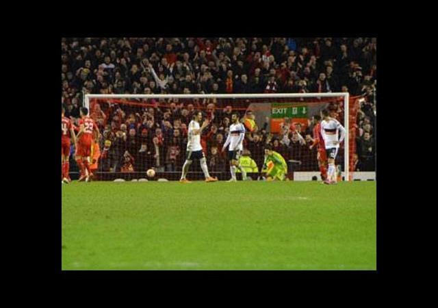 Liverpool taraftarı biletleri tüketti
