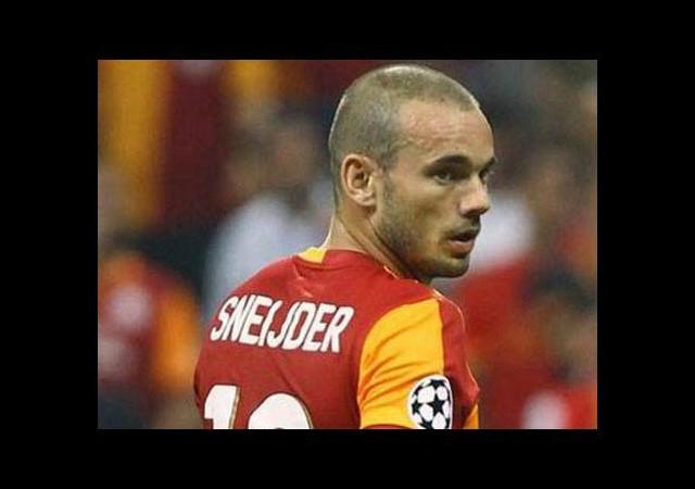 Wesley Sneijder ve Sergen Yalçın karşı karşıya!