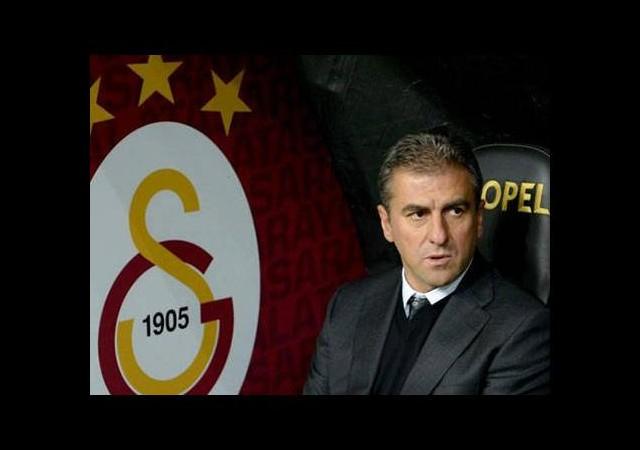 Hamzaoğlu o futbolcuyu uyardı! 'Kafandan sil'