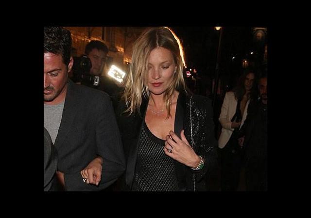 Lindsay Lohan uyarı aldı